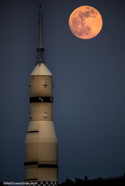 Full moon, US space and rocket center, Huntsville