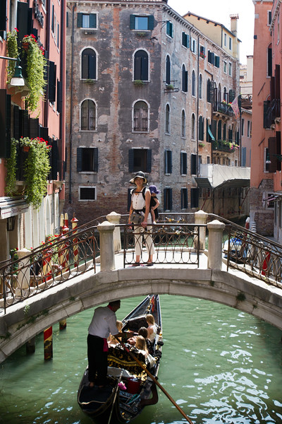 Mind your head Mr Gondolier!