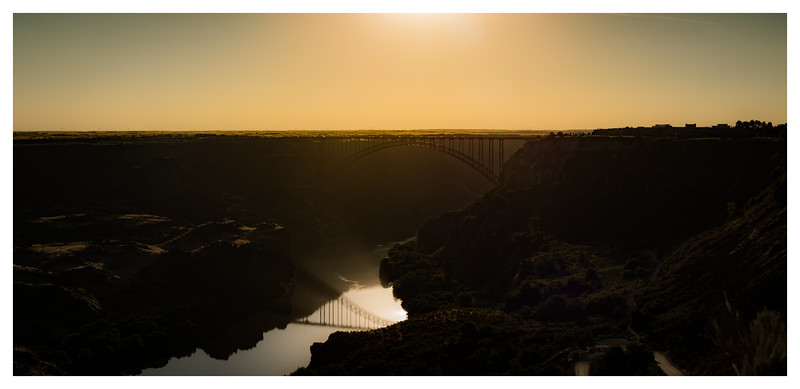 Breaking Dawn over the Perrine Bridge