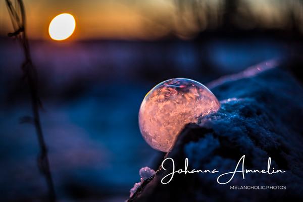 Frozen bubbles