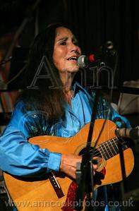 Julie Felix Sings