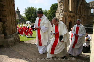 Parading through the Abbey