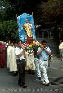 Carrying Our Lady of Glastonbury