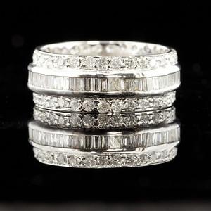 2.85CT.ETERNITY DIAMOND BAND RING IN 14 K WHITE GOLD