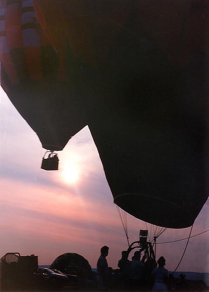 balloon sundown 235