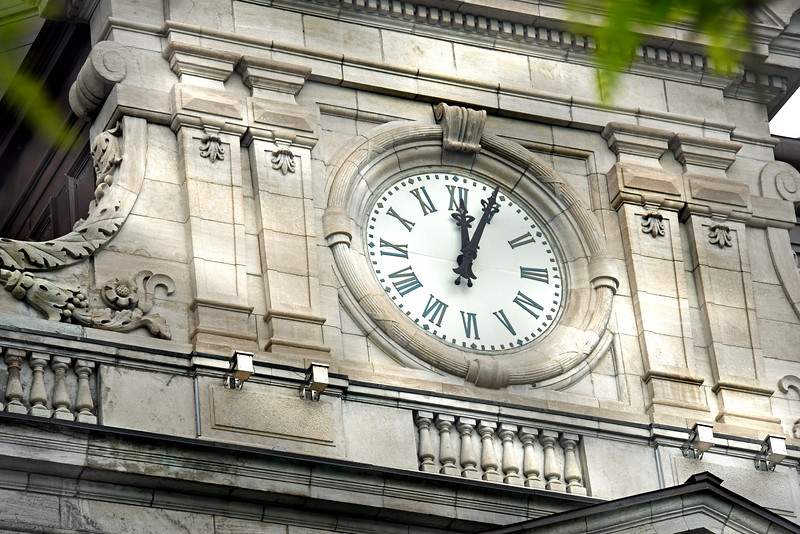 clock montreal 052516_1278