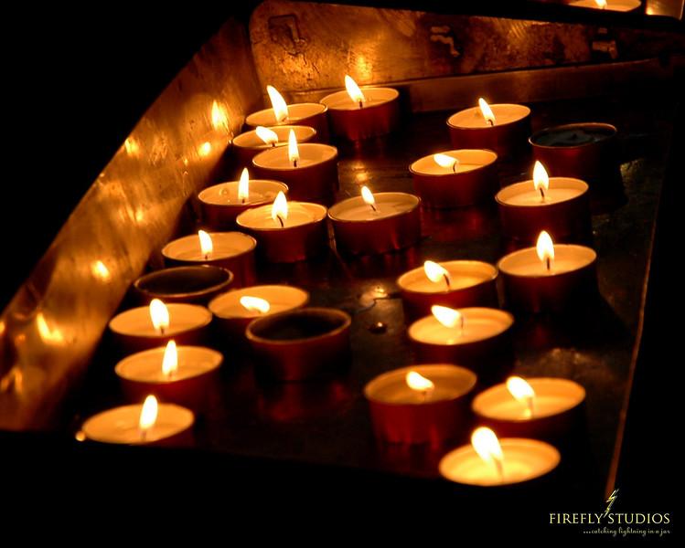 candles w logo
