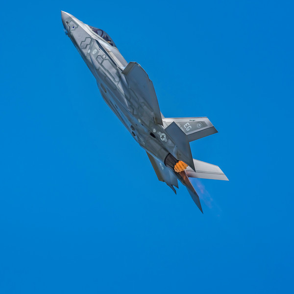 The F-35 stuns the crowd as it goes ballistic in afterburner vertical climb at the 2017 Vectren Dayton Air Show.