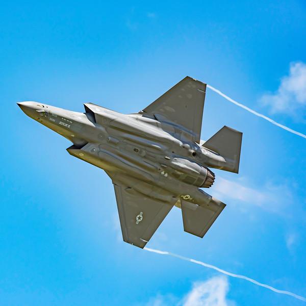 The F-35 high speed pass