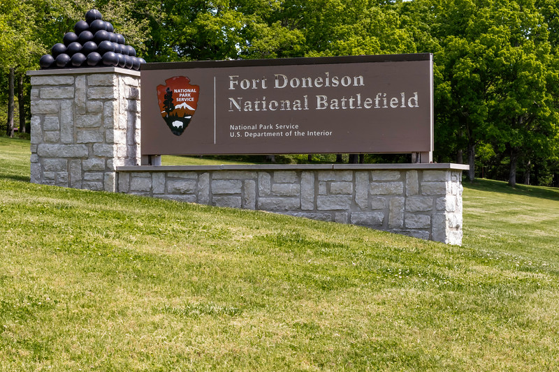 Entrance marker at Fort Donelson National Battlefield