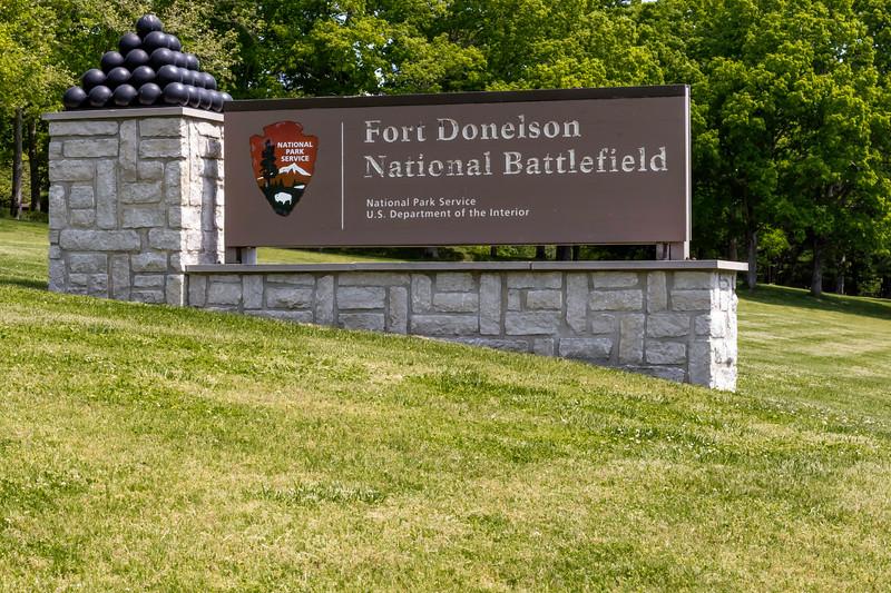 Entrance marker at Fort Donelson National Battlefield