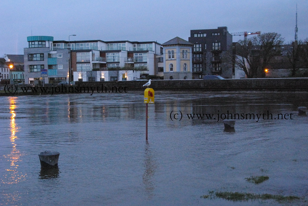 Looking back to Wolfe Tone Bridge from a flooded Spanish Arch on the morning of March 10 2008