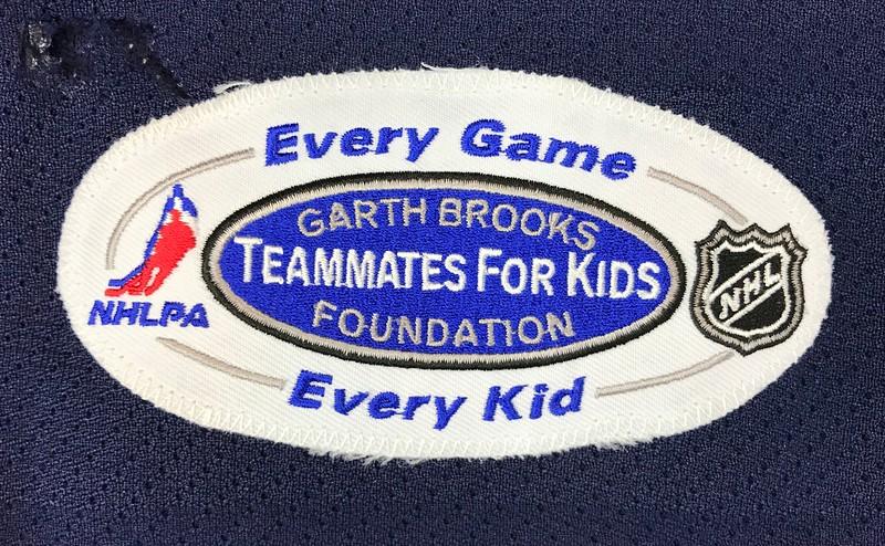 Modin Garth Brooks Game Worn 1 9 2007 Patch