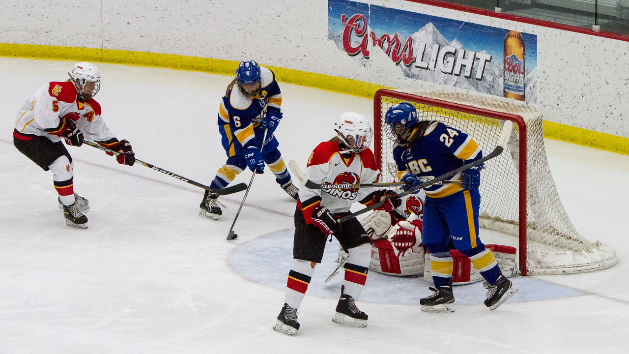 CALGARY(AB) October 16, 2015 - Nicole Saxvil (#6) moments before scoring the Thunderbirds second goal at 3:21 of the second period.