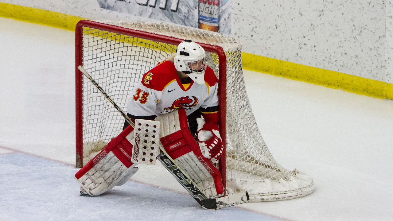 CALGARY(AB) October 16, 2015 - DIno's goaltender Hayley Dowling (#35) watches the play during second period action.