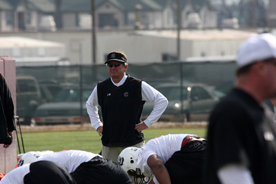 Coach Spurrier oversees special teams drills.
