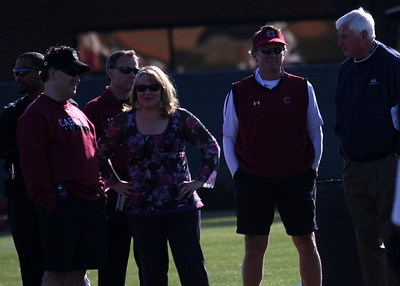 Coach Spurrier entertains Holly Rowe, Coach Bobby Knight with Jamie Speronis and Steve Fink