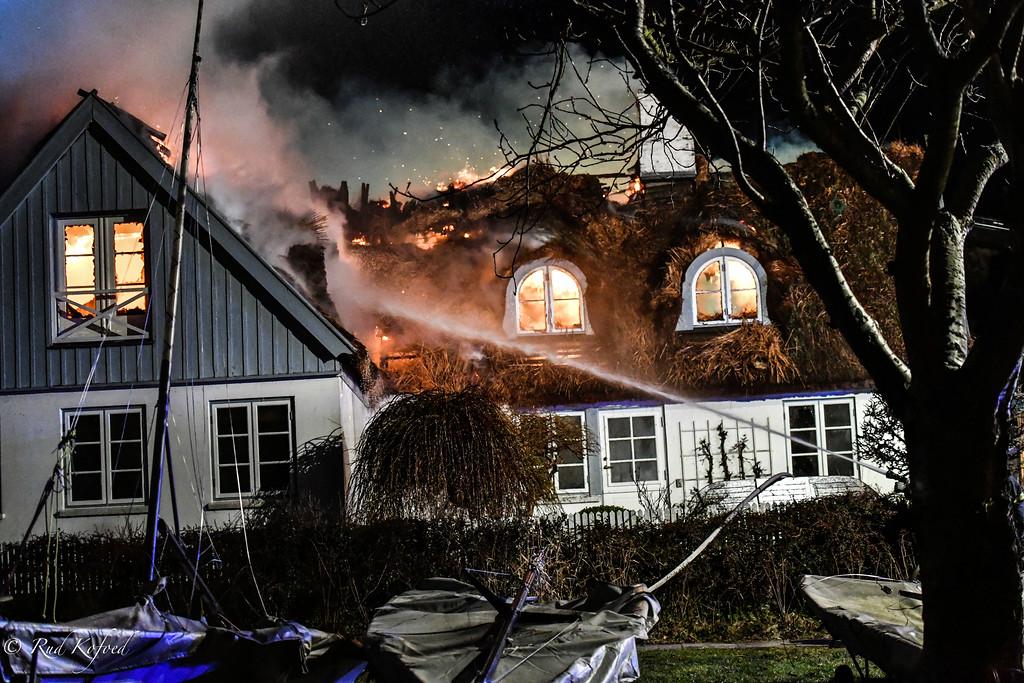 Sletten-news: KL. 17:57 Dette gamle fiskerhus i Sletten står ikke længere til redde