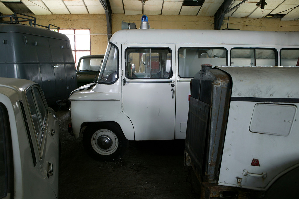 2-21<br /> This ambulance is a 1969 Nysa 521 S, which was produced by Polish company Nysa. The truck is a licensed version of the Russian-built GAZ M20 Pobeda, and uses the same wheelbase and engine as the GAZ. The Nysa 521 was a popular ambulance in Hungary.
