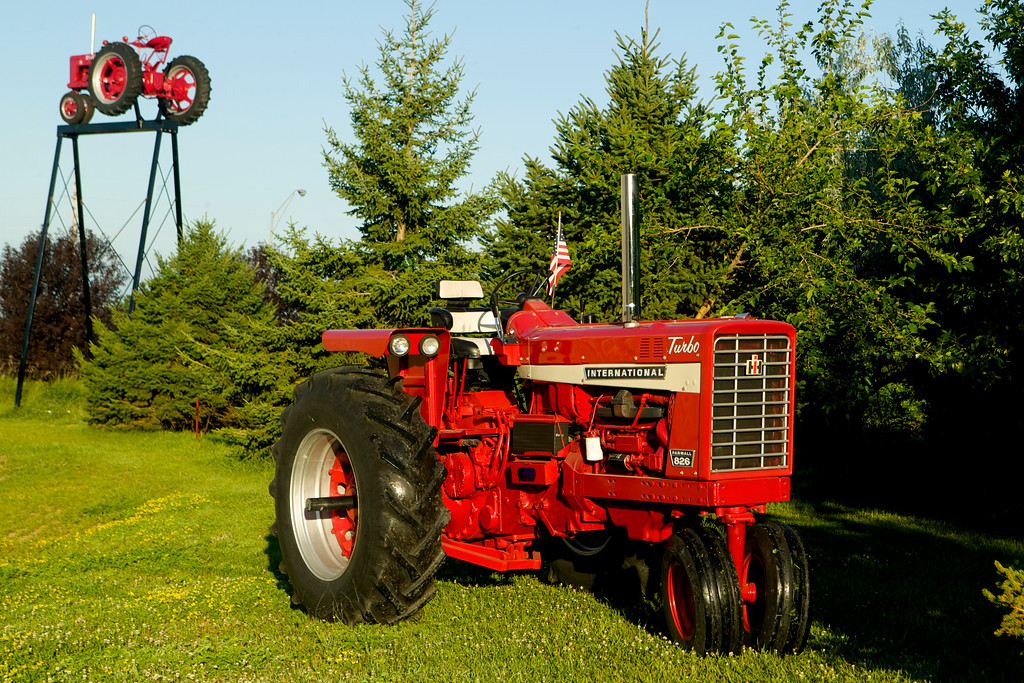 Farmall 826 owned by Jerry Mez