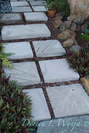 Embossed leaf stepping stones_7036-2