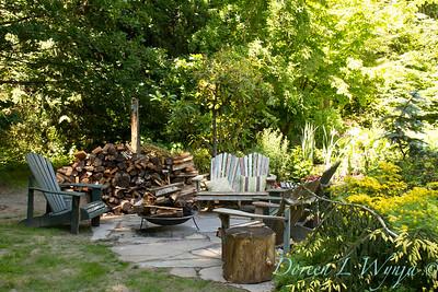 Flagstone patio fire bowl_7014