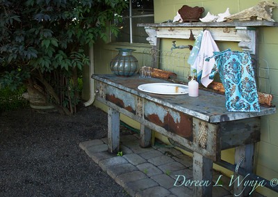 Andrea's potting bench_023AMG