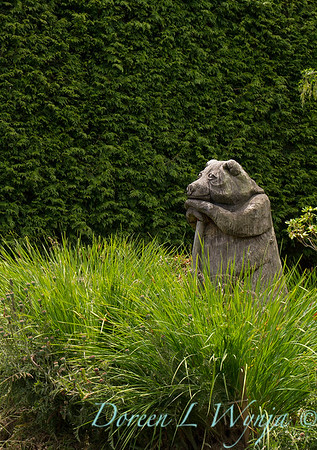 wood carved garden bear sculpture_3148