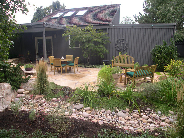 Larger amounts of hardscape reduce garden maintenance and water usage.