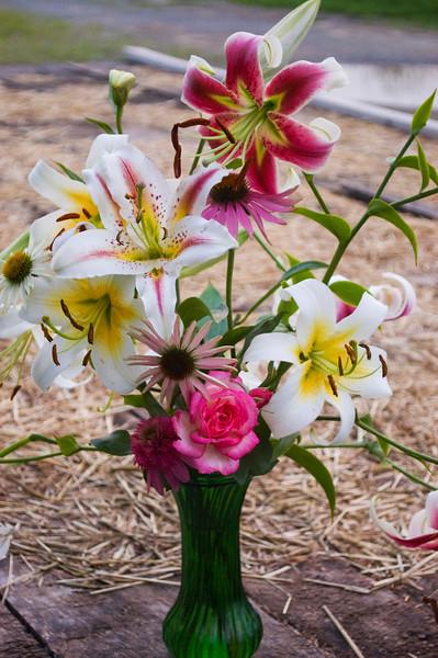 bouquet,  mid-summer (liliy, coneflower, rose)
