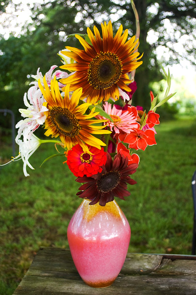 bouquet, summer (sunflowers, lilies, zinnias, gladiolus)