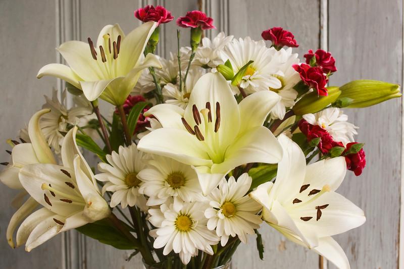 bouquet, lilies, dianthus, daisies