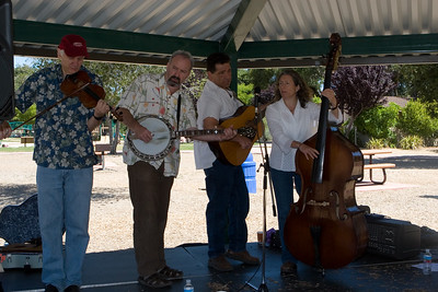 Bluegrass Stomp played an amazing variety of pieces.