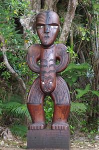 Pou - carved figure Guardian of Cascade Kauri park Waitakere Ranges - Te Waonui a Tiriwa New Zealand - 1 Oct 2006