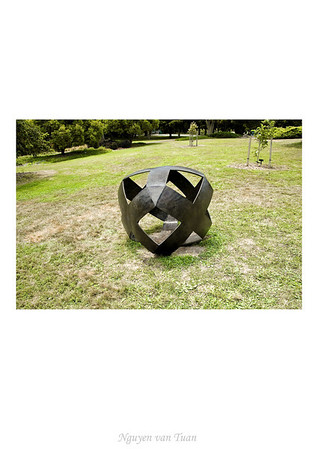 XY Factor Marte Szirmay Sand cast bronze & patina Stoneleigh sculpture in the gardens Auckland Botanic Gardens New Zealand - Jan 2008