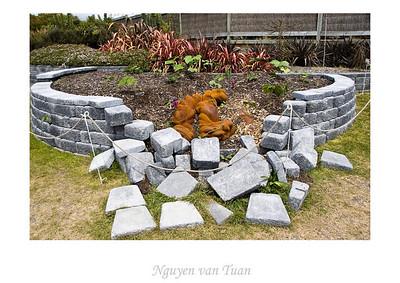 Kudzu Jim Wheeler Bronze, stainless steel, concrete, iron, car body lacquers Stoneleigh sculpture in the gardens Auckland Botanic Gardens New Zealand - Jan 2008
