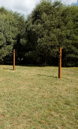 23 24 Masterwoks Gallery Pillar, Pillar 2 Steel