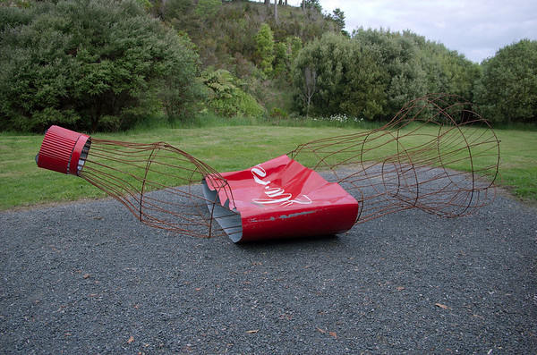 The seductability of consumerism Donna Ratana - Steel Sculpture-in-the-Park 2006 Waitakaruru Arboretum Hamilton  New Zealand - 3 Nov 2006
