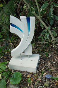 Vim Jo Pervan - Hinuera stone, stainless steel & paint Sculpture-in-the-Park 2006 Waitakaruru Arboretum Hamilton  New Zealand - 3 Nov 2006
