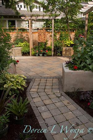 The Moore Garden_0205