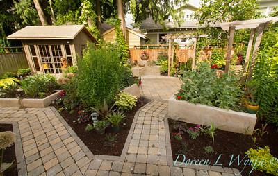 The Moore Garden_0208