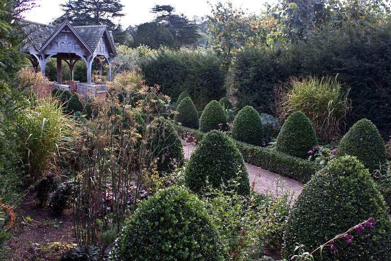 Hampton Court Garden, topiary and summerhouse