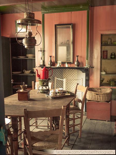 early 1900's furnishings