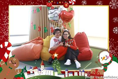 Garena-Christmas-Photobooth-in-Hanoi-Chup-hinh-in-anh-lay-lien-Tiec-Giang-sinh-tai-Ha-noi-WefieBox-Photobooth-Vietnam-048