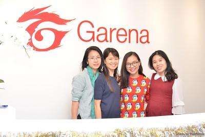 Garena-Christmas-Photobooth-in-Hanoi-Chup-hinh-in-anh-lay-lien-Tiec-Giang-sinh-tai-Ha-noi-WefieBox-Photobooth-Vietnam-023