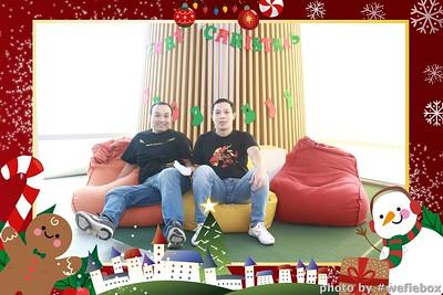 Garena-Christmas-Photobooth-in-Hanoi-Chup-hinh-in-anh-lay-lien-Tiec-Giang-sinh-tai-Ha-noi-WefieBox-Photobooth-Vietnam-042