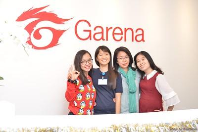 Garena-Christmas-Photobooth-in-Hanoi-Chup-hinh-in-anh-lay-lien-Tiec-Giang-sinh-tai-Ha-noi-WefieBox-Photobooth-Vietnam-022