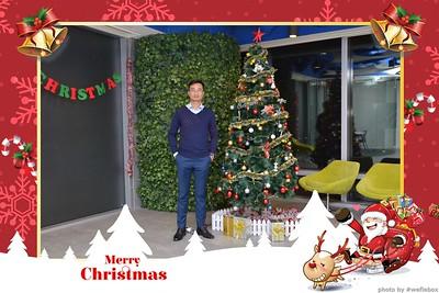Garena-Christmas-Photobooth-in-Hanoi-Chup-hinh-in-anh-lay-lien-Tiec-Giang-sinh-tai-Ha-noi-WefieBox-Photobooth-Vietnam-003