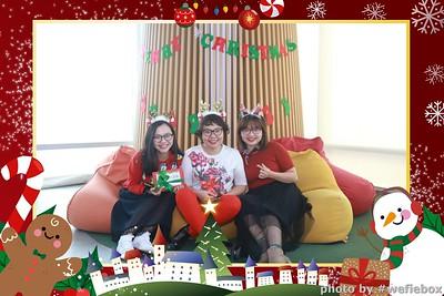 Garena-Christmas-Photobooth-in-Hanoi-Chup-hinh-in-anh-lay-lien-Tiec-Giang-sinh-tai-Ha-noi-WefieBox-Photobooth-Vietnam-030