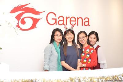 Garena-Christmas-Photobooth-in-Hanoi-Chup-hinh-in-anh-lay-lien-Tiec-Giang-sinh-tai-Ha-noi-WefieBox-Photobooth-Vietnam-024